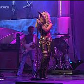 Shakira_Whenever_Wherever_Live_Bravo_Supershow_2002_210714avi-00003