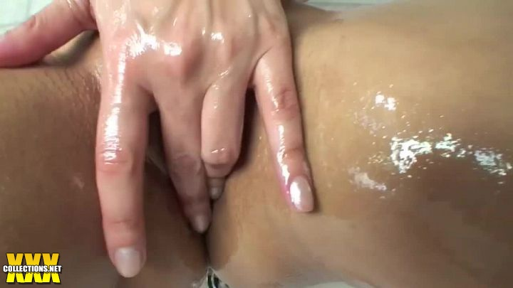 Hot And Oily In The Tub Porn Video SunnyLeonecom