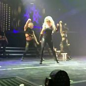 Britney Spears Piece of me dvd Part 4720p 191114mp4 00006