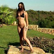 Sexy Girl In Black Bikini Outdoor Pissing HD Video