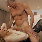 Lola Taylor Old Men Gangbang Young Girl HD Video