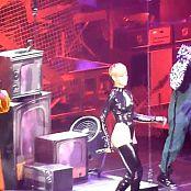 Sexy Rihanna RUDE BOY Live new 260515117 avi