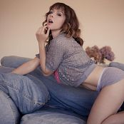 Ariel Rebel Jeans Couch 009 jpg