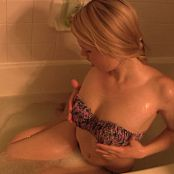 Sherri Chanel Bath Time Fun Downloaded 2015 08 05 14 31 30 mp4