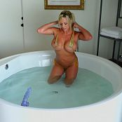 xogisele gold bikini hd mp4