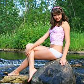 Fame Girls Sandra Sexy In Pink By The River Picture Set 020 Download: xxxcollections.net/internet-models/download/fame-girls-sandra-sexy...