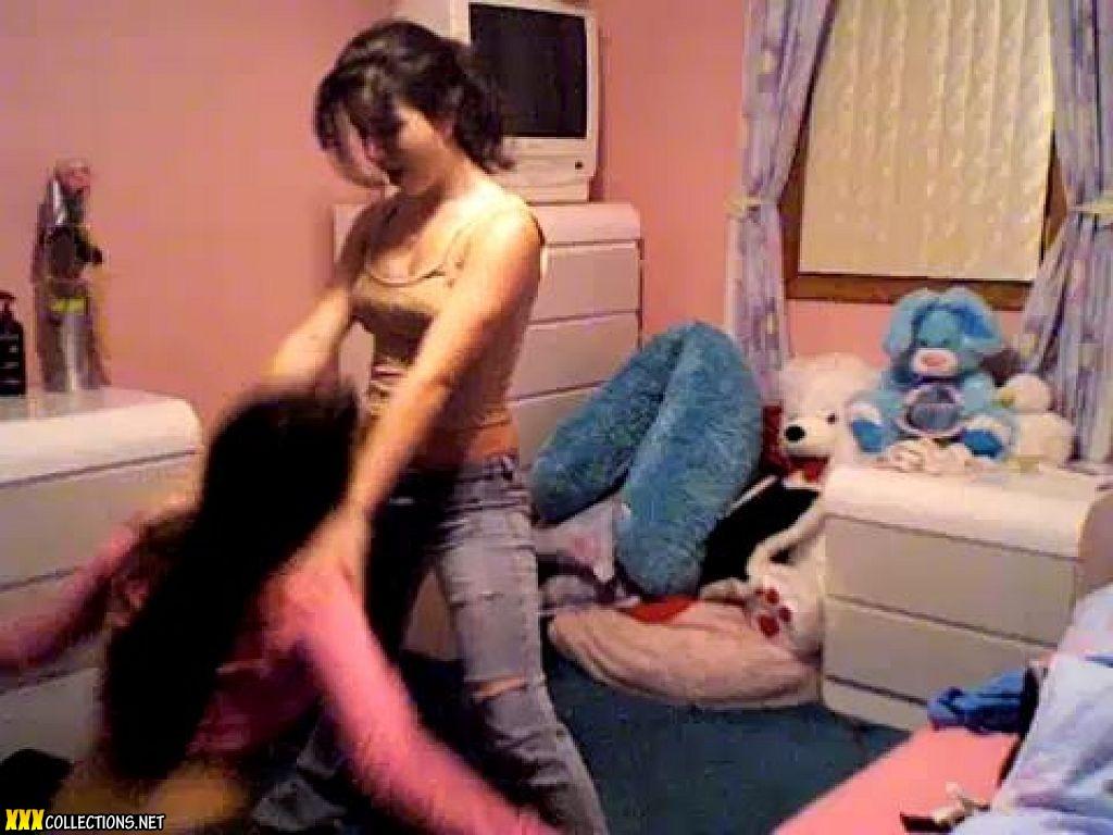 Hot Teen Dancing In Bedroom - YouTube
