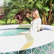 Cali Skye Hot Tub Fun HD Video 1080p mp4