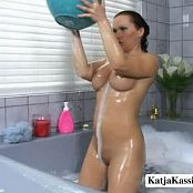 Katja Kassin Jacuzzi Solo Masturbation Video