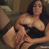Sweet Krissy Gets Fingered HQ Zipset 260416 wmv