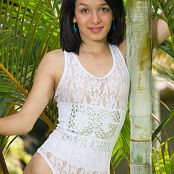 Laurita Vellas White Embroidered Fashion TeenBeautyFitness Set 096