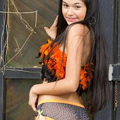 Lorena Alvarez Orange and Black Feathers TeenBeautyFitness Set 06