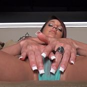 Nikki Sims Oiled Kitty HD 170616 wmv