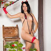 Clarina Ospina Tartan SLingshot 005
