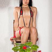 Clarina Ospina Tartan SLingshot 010