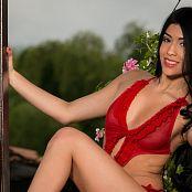 Melissa Lola Sanchez Evening Poses 008