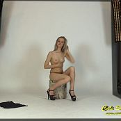 Cali Skye Black Corset Video 230616 mp4