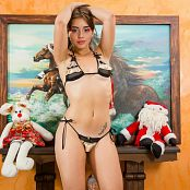 Sofy Arias Dressed for Christmas Picture Set