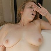 Xev Bellringer Bathtime With Mommy HD Video