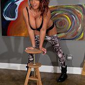 Nikki Sims Skull Pants 003