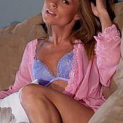 Madden Pink Robe 005