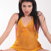 Angela Model Orange Fishnet 049 002