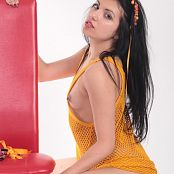 Angela Model Orange Fishnet 049 009