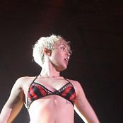 Miley Cyrus Bangerz Tour Feb 16 2014 23 150816 mkv