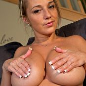 Nikki Sims Topless In Sweats 010