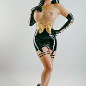 Bianca Beauchamp Bettie Page Latexified 001