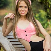 Ana Ortiz Fuzzy Bunny tbf 659 301016 019