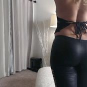 Sarah Peachez Showing Off In Black Leather 20161105 Camshow 051116 flv