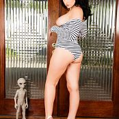 Bailey Jay I am Standing in Front of a Double Door 2832