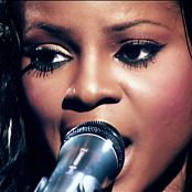 Sugababes A Night At The Dominion 07 Push The Button 11Nov2006snoop 061116 mpg
