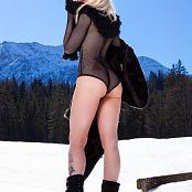 Susan Wayland Sexy Winter Girl Part 1 Picture Set