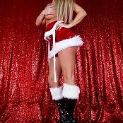 Nikki Sims Christmas 2016 004
