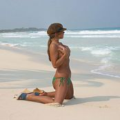 Katies World Set 130 green bikini cancun03 23
