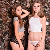 MarvelCharm Ariana Rebecca Friends 0654