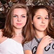 MarvelCharm Ariana Rebecca Friends 0734