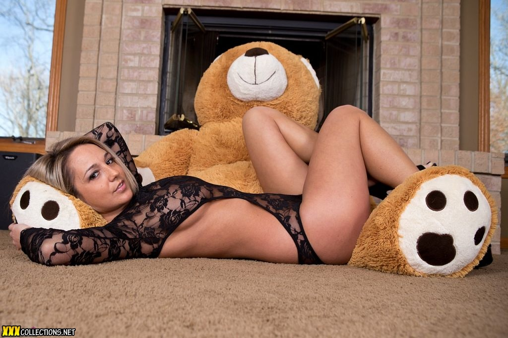 Top nude girl and a bear