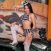 Susana Ortiz BW Striped TM4B Set 001 687