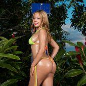 Azly Perez Babyoil Bikini TM4B Picture Set 001