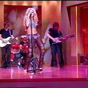 Shakira Suerte Live at Sabor 080517 avi