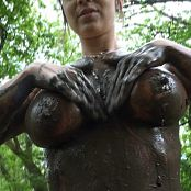 Nikki Sims Playing In The Mud HD Video 260517 wmv