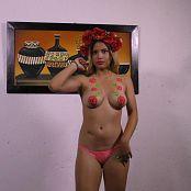 Poli Molina Glowing Bodypaint TM4B 4K UHD Video 004 070617 mp4