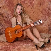 Image Works Kira Guitar Set 2 181