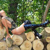 Nikki Sims Camo Wood 182