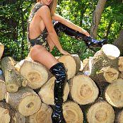 Nikki Sims Camo Wood 185