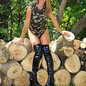 Nikki Sims Camo Wood 186