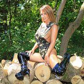 Nikki Sims Camo Wood 192